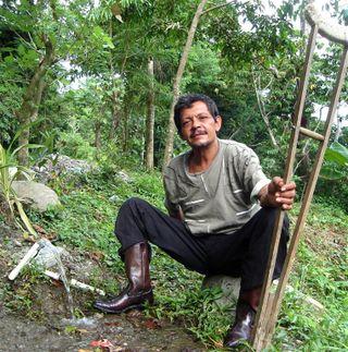 Honduran carver