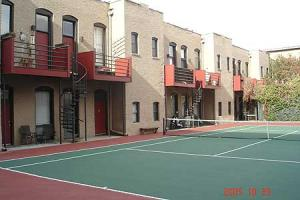 Denver_tennis_courtyard